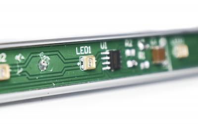 Pesquisadores estão desenvolvendo novos LEDs ultravioleta que podem limpar superfícies contaminadas com COVID-19
